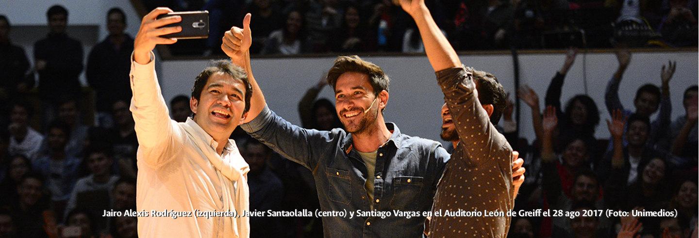 Jairo Alexis Rodríguez (izquierda), Javier Santaolalla             (centro) y Santiago Vargas en el Auditorio León de Greiff el             28 ago 2017 (Foto: Unimedios)
