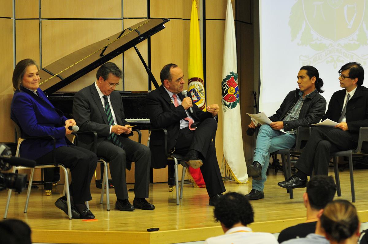 Debate sobre cultura en Bogotá con los candidatos a la Alcaldía en noviembre de 2015 (Foto: Nicolás Bojacá/Unimedios)