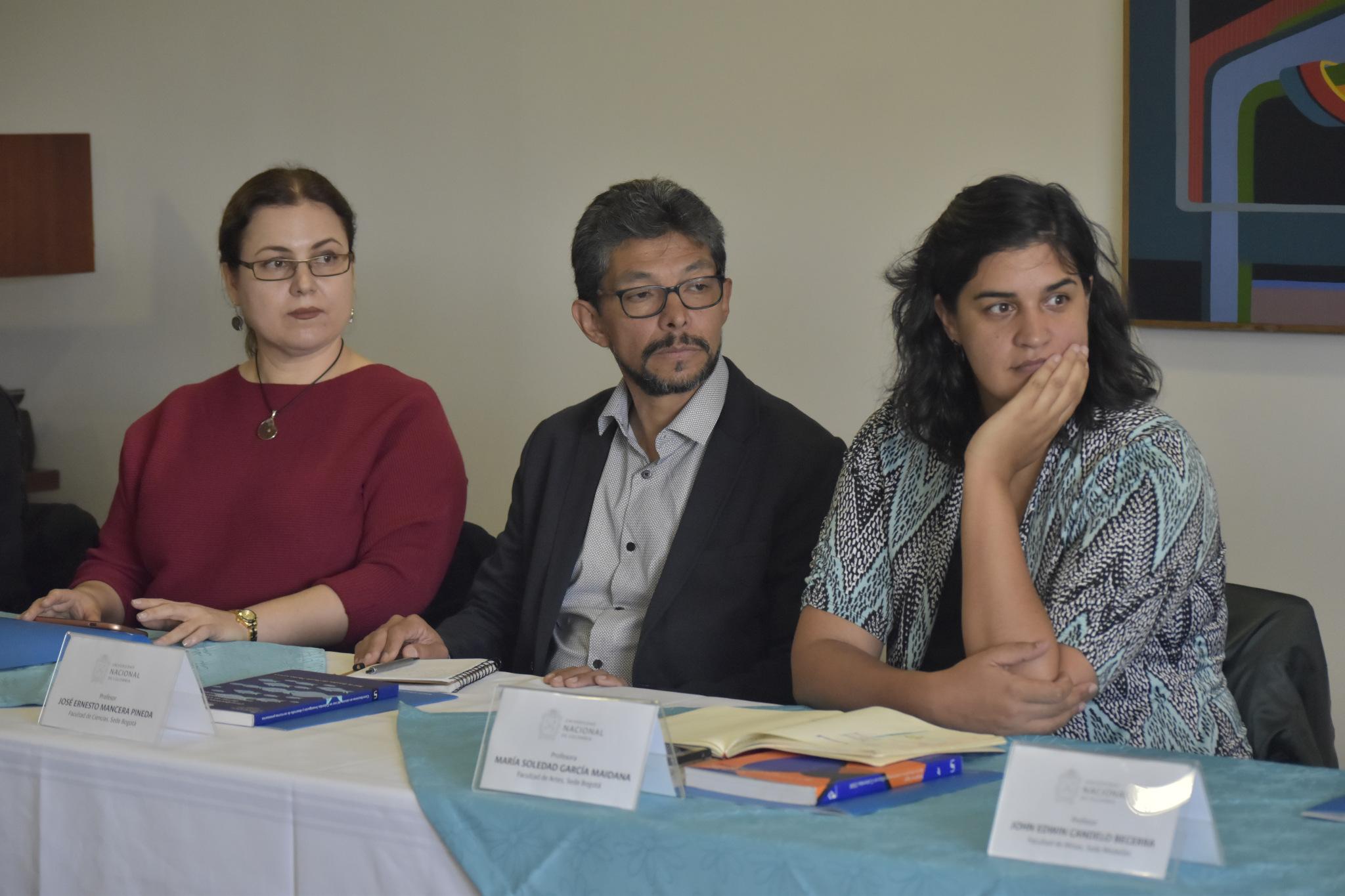 Karina López López (izquierda), José Ernesto Mancera (centro) y María Soledad García (Foto: VRI)