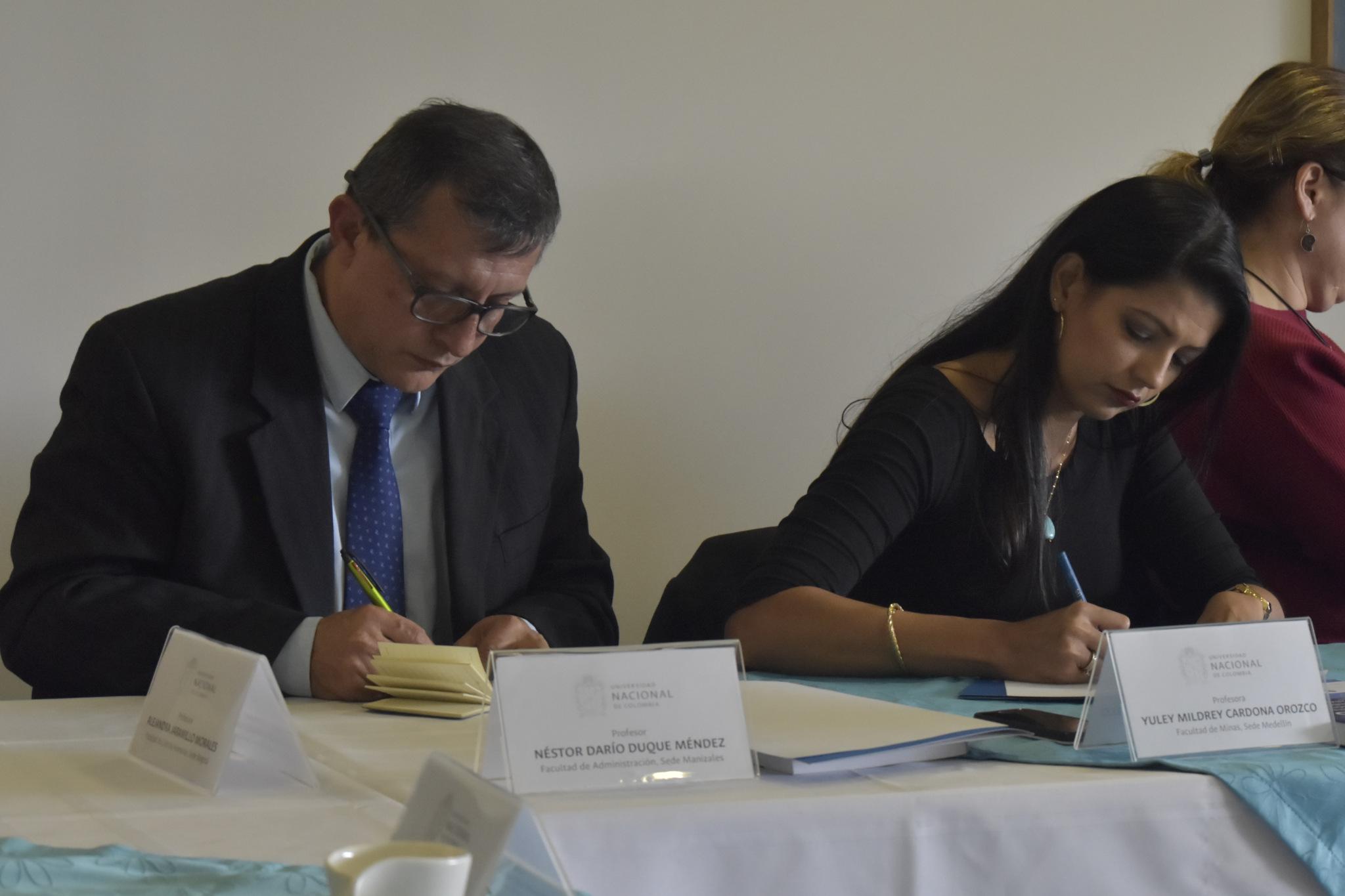 Néstor Darío Duque (izquierda); Yuley Mildrey Cardona Orozco (Foto: VRI)