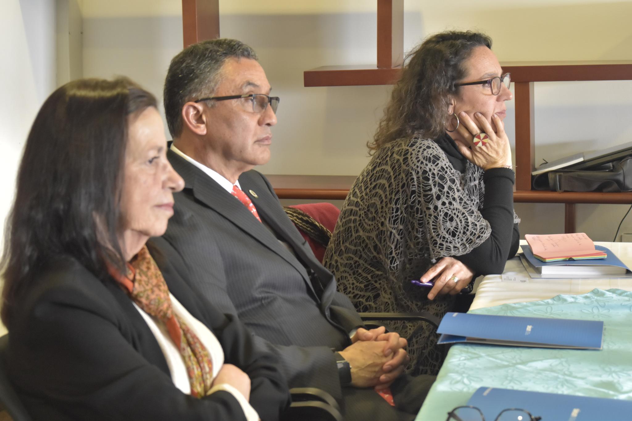 Carmen María Romero (izquierda); Ariel Ruiz Parra (centro) y Alejandra Jaramillo Morales (Foto: VRI)