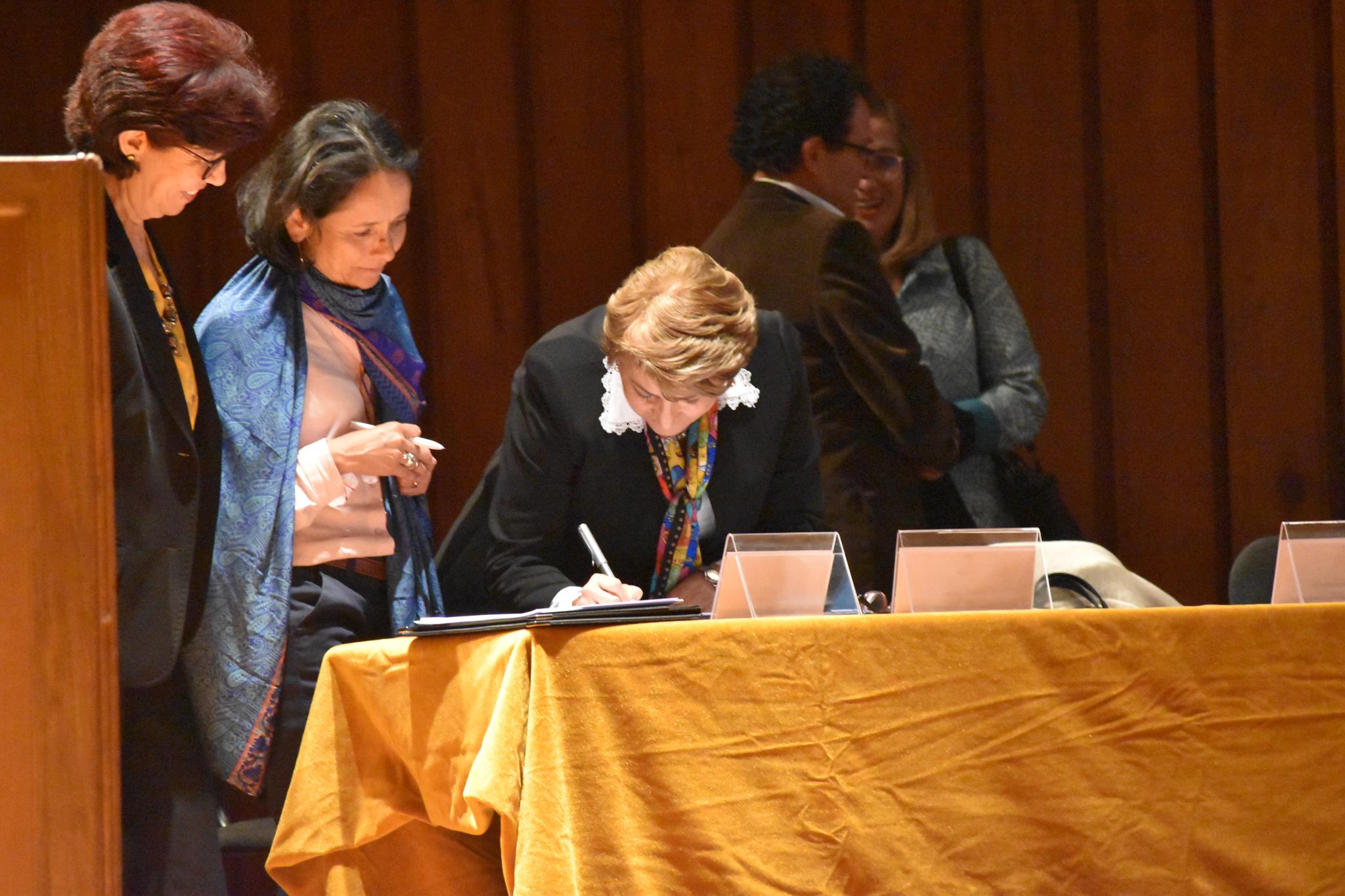 Firma de los convenios entre la Universidad Nacional de Colombia y las instituciones del Sistema Integral de Verdad, Justicia, Reparación y No Repetición (SIVJRNR) (Foto: Aura Flechas)